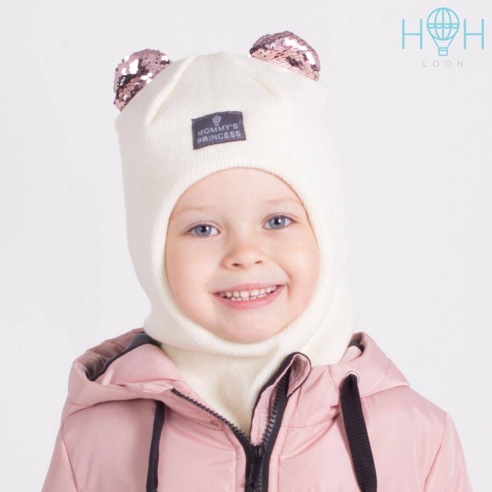 "ШЗ20-59111727 Зимняя шапка-шлем с маленькими ушками из пайеток и нашивкой ""Mommy`s princess"", молочный"