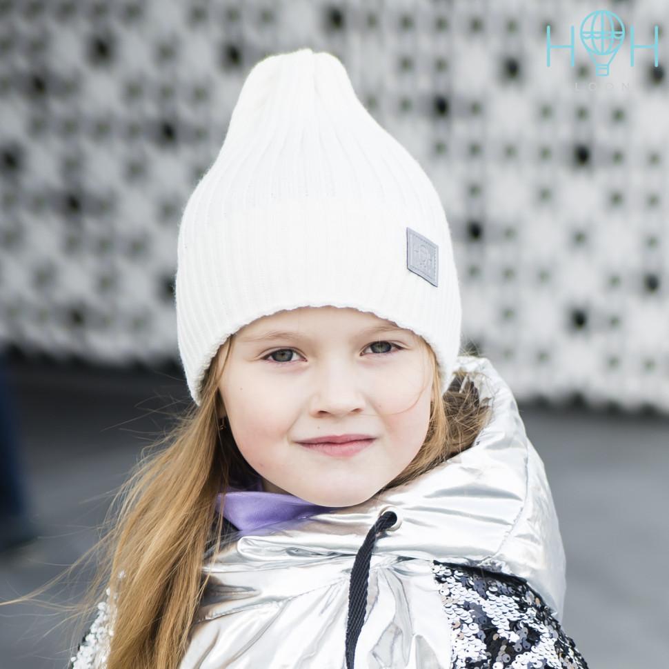 ШЗ20-7111174242 Шапка зимняя вязаная с подворотом со светоотражающим шевроном, молочный
